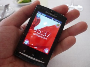 Hands on Xpreria Mini Pro 300x224 Nueva gama de celulares Sony Ericsson Xperia