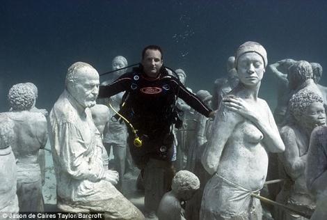 estatuas en mar cancun Exposición de estatuas subacuáticas en Cancún