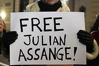 Niegan liberación bajo fianza de Julian Assange - free-julian-assange