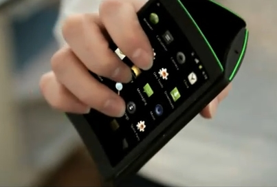 celular flip Smartphone de 3 pantallas con Android