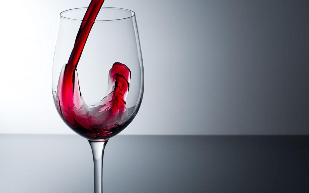 Una copa de vino sería igual de saludable que hacer una hora de ejercicio. - copa-de-vino