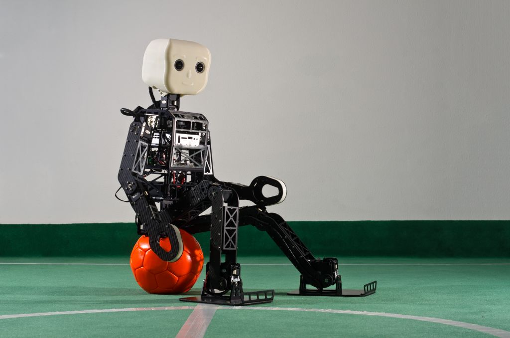 Nimbro, un robot futbolero - nimbro-op_3