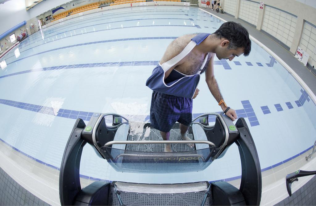 Exitosa mexicana en Escocia por tecnología para nadadores discapacitados - plataforma-poolpod