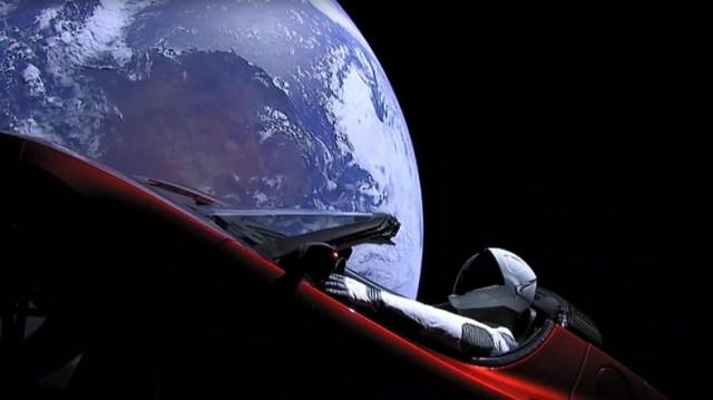 SpaceX, Uzaydaki Tesla Arabasının Mars'a Ulaştığını Duyurdu