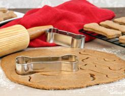 Homemade dog treats with coconut oil Homemade Dog Treats (With Coconut Oil)