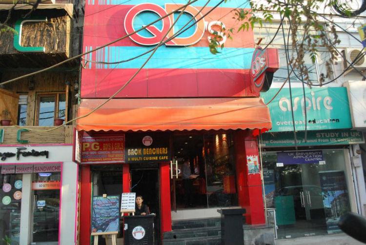 cafes in satya niketan