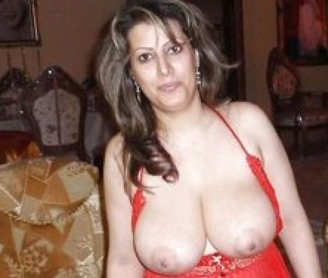 Chubby Mature Arab Wife With Big Natural Tits Giving Head
