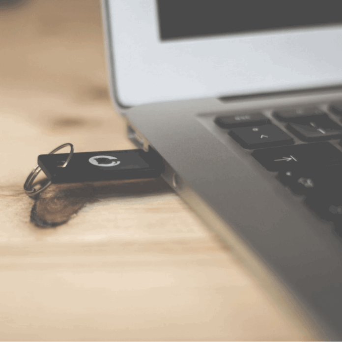 A USB drive how to enter recovery mode windows 10