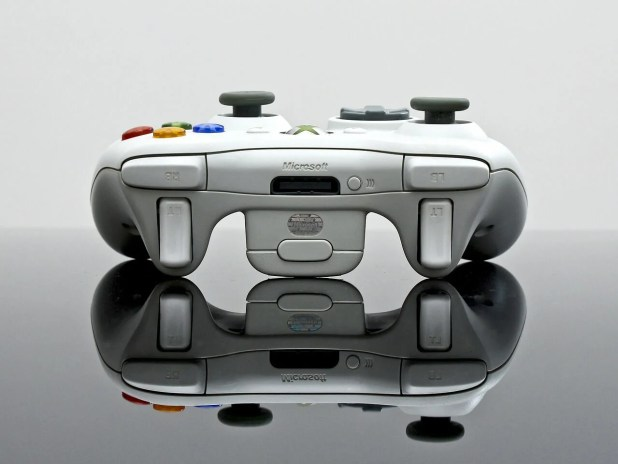 xbox controller white - turn Xbox into PC