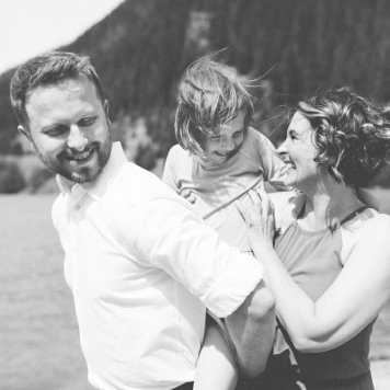 Travel and Adventure Family Photographer