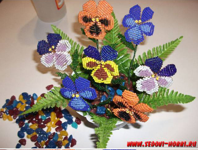 How-to-make-Beads-Pansy-Flower-00-23