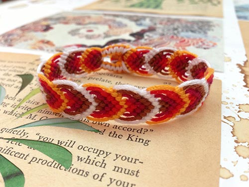DIY-friendship-bracelet-1