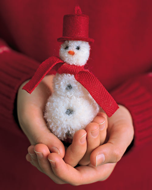 DIY PomPom Snowman 1 Wonderful DIY Cute Mini Pom Pom Snowmen