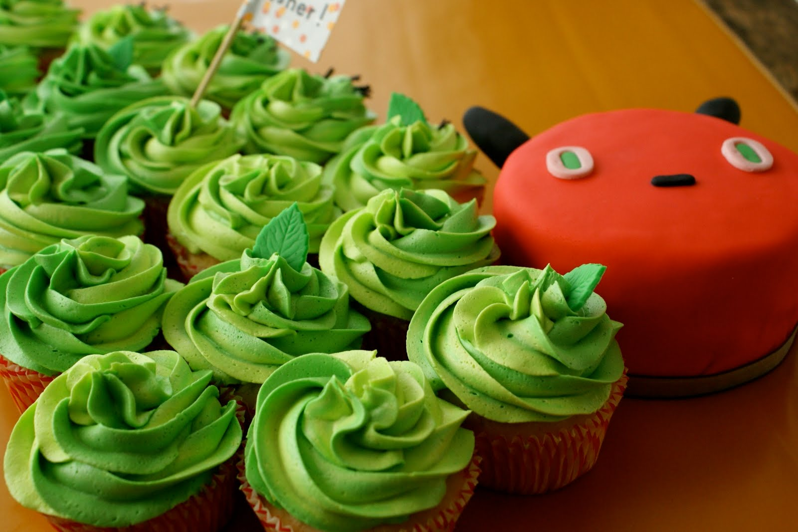 The Cutest Caterpillar Cupcakes Free Guide And Recipe