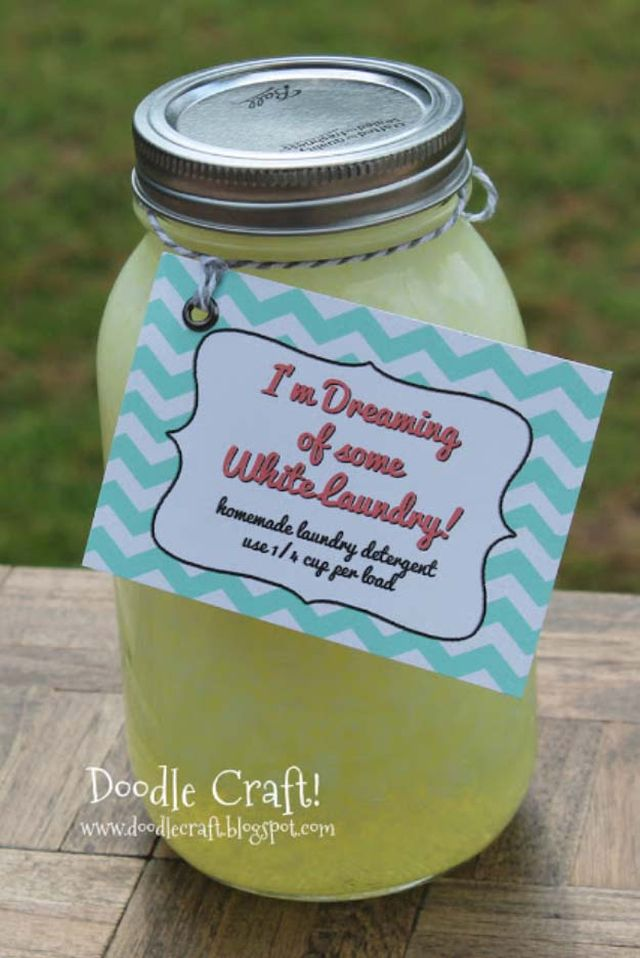 Homemade laundry detergent in a jar - DIY gift