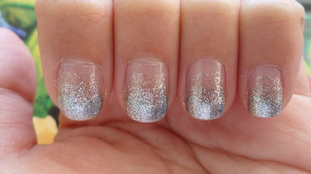 View In Gallery Fading Glitter Tips