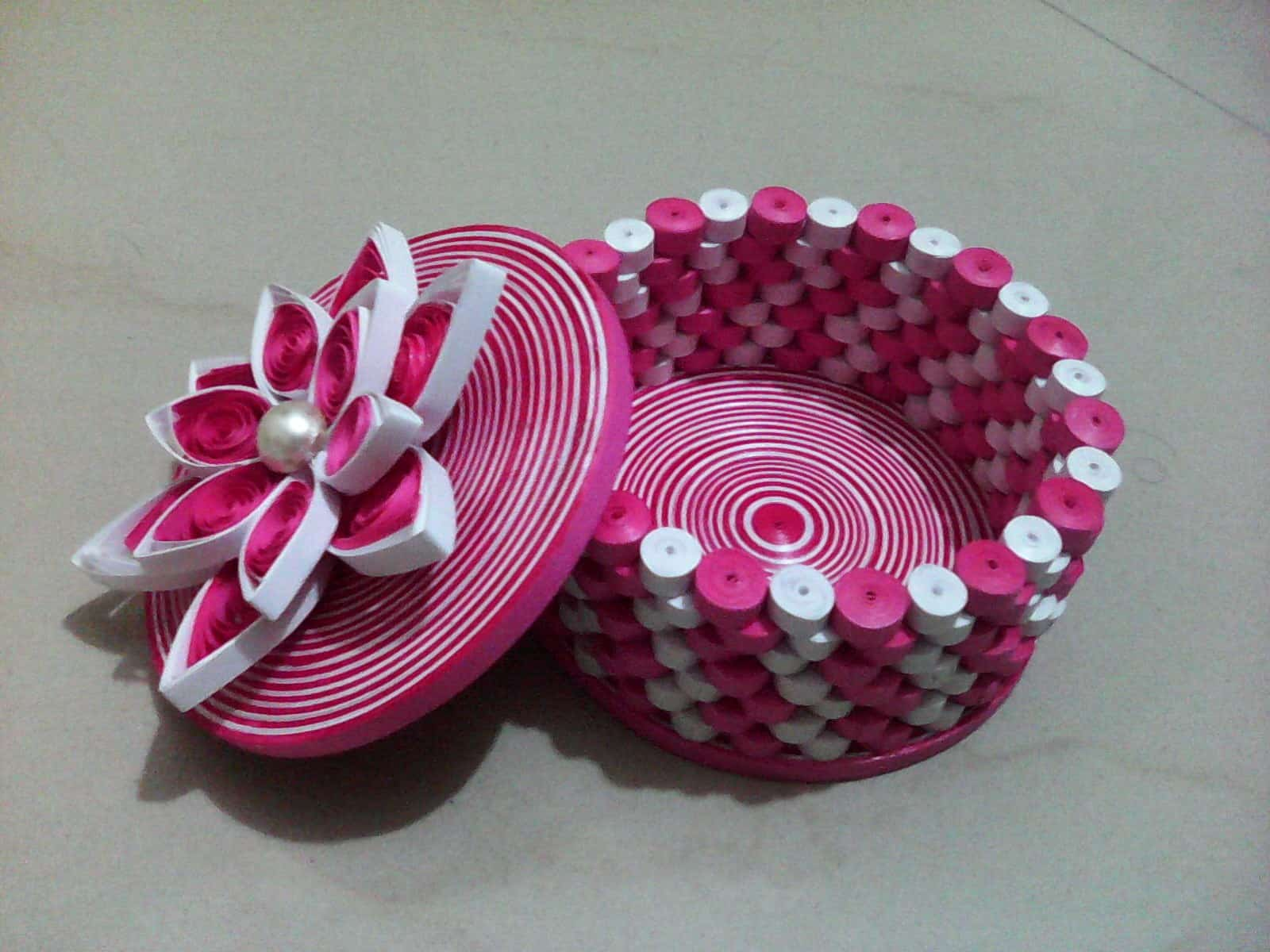 3D quilled gift box