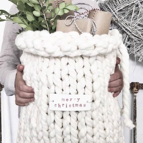 Arm knitted gift bag