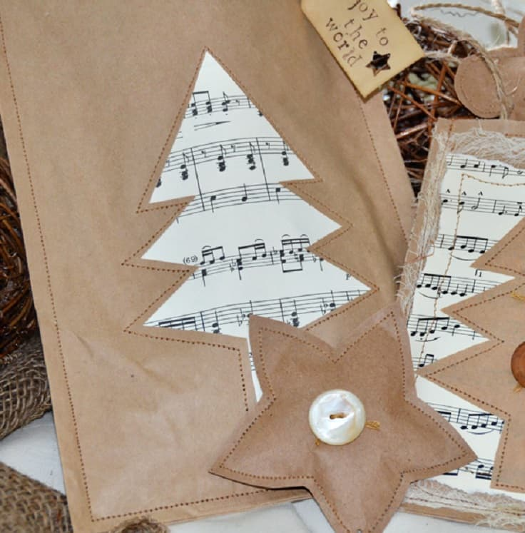Musical Christmas tree gift bag
