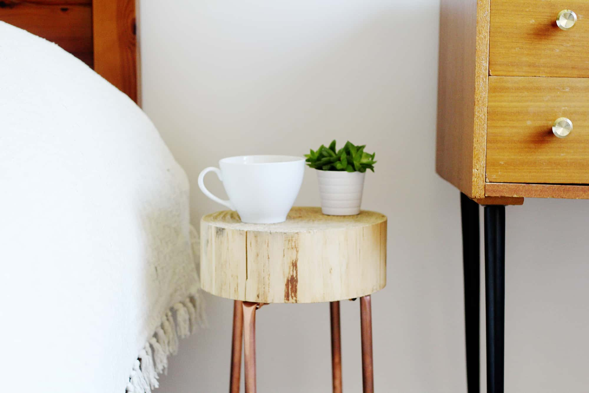 12 Diy Nightstands That Give Your Bedside A Whole New Look