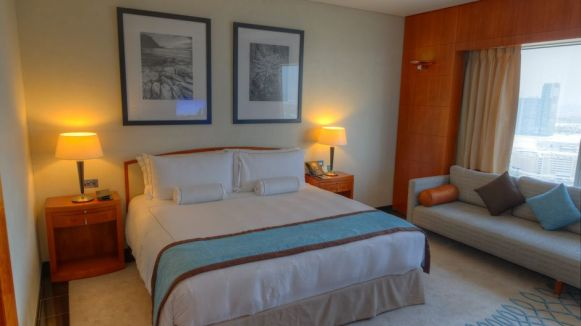 jumeirah_emirates_towers_hotel_review_worldtravlr_net-3