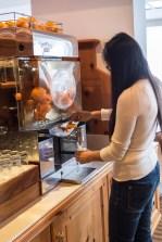 Frisch gepresster Orangensaft zum Frühstück