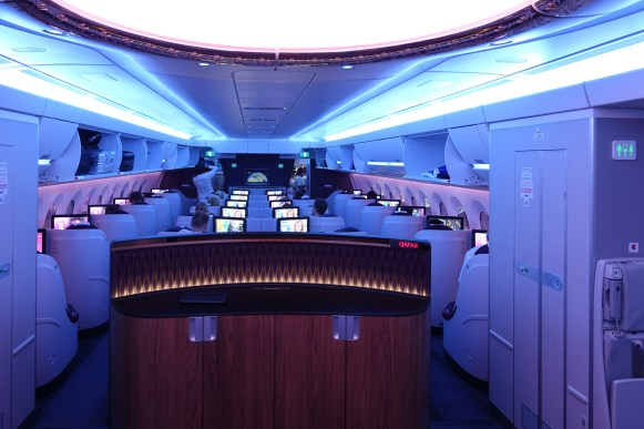 qatar_airways_a350_business_class_test_worldtravlr_net-8