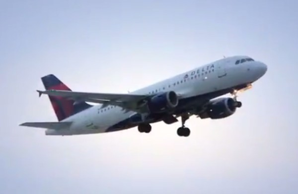 Fire at Chicago air traffic control center causes delays ...