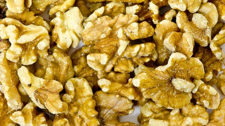 Walnuts and Popcorn: Priorities During This Christmas Season