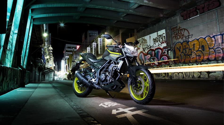 2018-Yamaha-MT-03-EU-Night-Fluo-Static-002