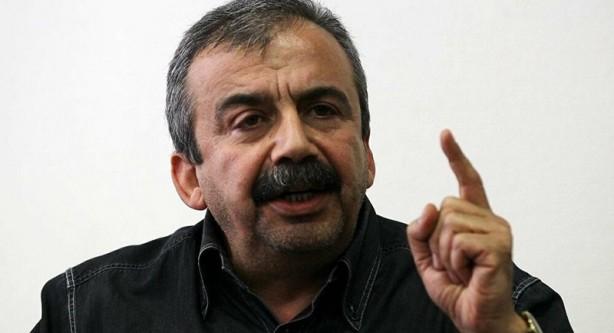 Foto - Önder, konuyla ilgili bir açıklama yaptı. Açıklamada özet olarak şu ifadeleri kullandı: