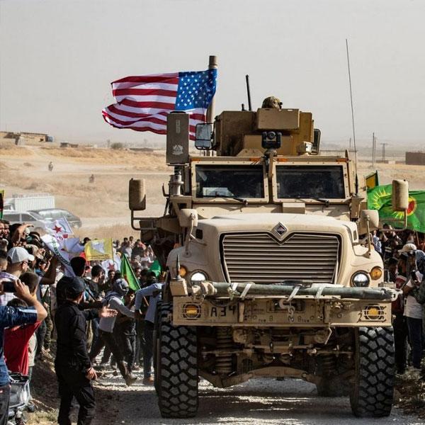 Foto - Kandırılarak örgüte dahil edilen H.D. ve yanında bulunanlarla Suriye'nin Derik, Irak'ın Zap bölgelerinde 6 ay süreyle silahlı eğitim aldıkları daha sonra terör örgütünün üst yönetiminin talimatıyla DAEŞ terör örgütüyle savaşmak için 5 yıl süreyle sırasıyla Tel Abyad, Ayn El Arab, Rakka, Haseke ve Deyrzor bölgelerinde silahlı faaliyet yürüttüklerini ifade etti.