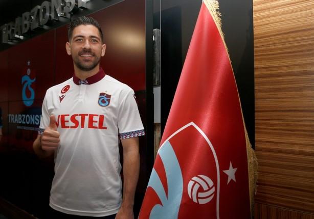 Foto - Yunan futbolcu Anastasios Bakasetas, Trabzonspor'da olmaktan büyük mutluluk duyduğunu belirtti. Galibiyetler alan ve kupalar hedefleyen bir takımda yer almayı sürekli istediğini anlatan Bakasetas,
