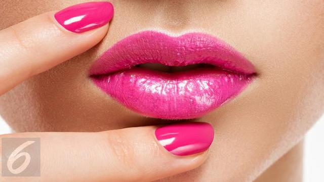 Riasan Bibir Semakin Menawan dengan Pulasan Lipstik Matte