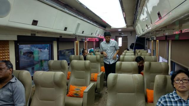 Argo Muria Priority merupakan kereta jurusan Gambir-Semarang yang diluncurkan PT KA Pariwisata. Foto: Liputan6.com/Maulandy