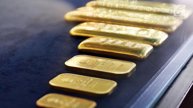 Penampakan emas batangan di gerai Butik Emas Antam di Jakarta, Jumat (5/10). Pada perdagangan Kamis 4 Oktober 2018, harga emas Antam berada di posisi Rp 665 ribu per gram. (Liputan6.com/Angga Yuniar)