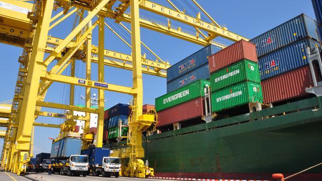 Dorong Pertumbuhan Ekonomi Pelindo III Permudah Proses Ekspor Impor