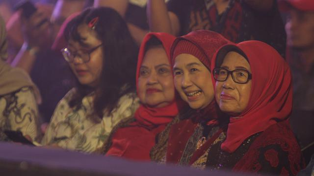 Kenangan Ibunda Presiden Jokowi Saat Menjadi Sobat Ambyar Didi