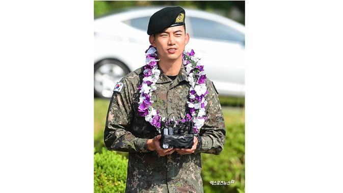 Taecyeon selesai wamil (Sumber: Soompi)
