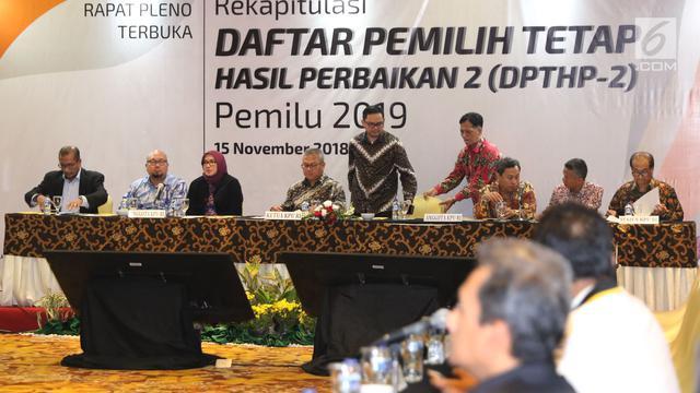 Ketua KPU Pimpin Rapat Rekapitulasi DPTHP 2