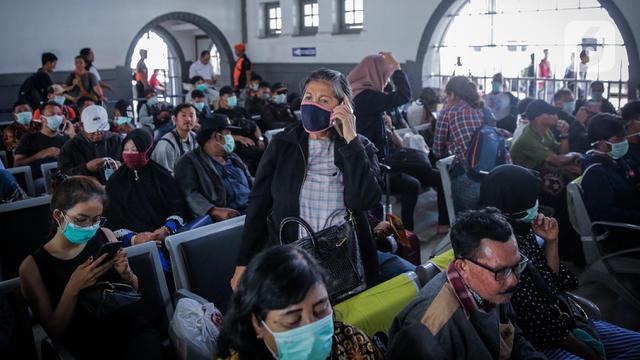 Upaya Pencegahan Virus Corona di Stasiun Senen