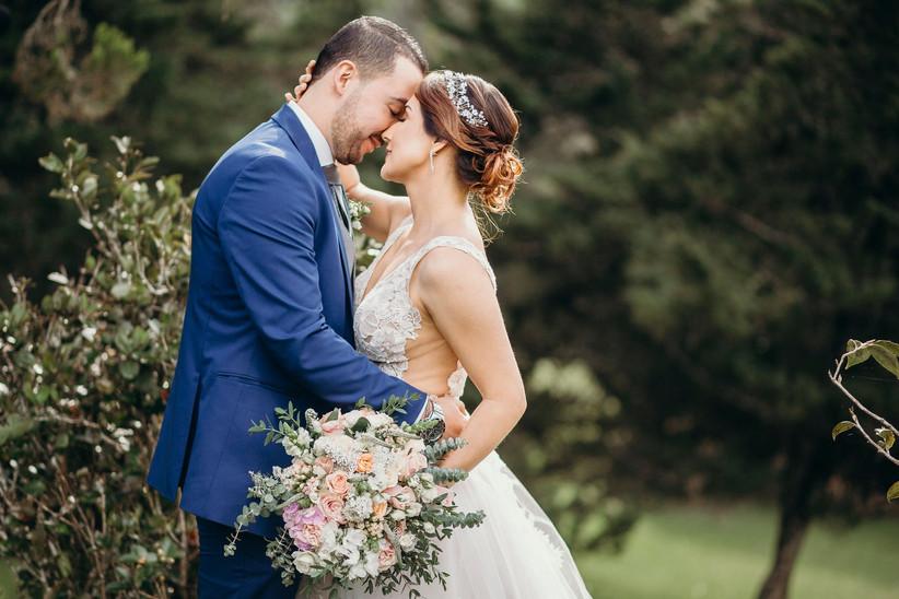 Amo a mi esposo, por su dulzura y su paciencia y por todo el amor que me da. 35 Mensajes De Amor Para El Esposo