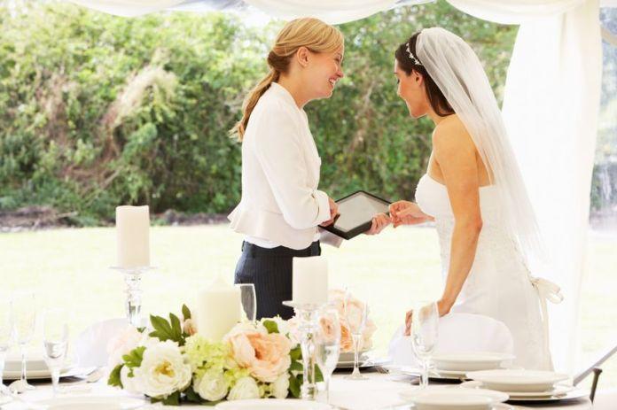 Resultado de imagen para wedding planner y novia