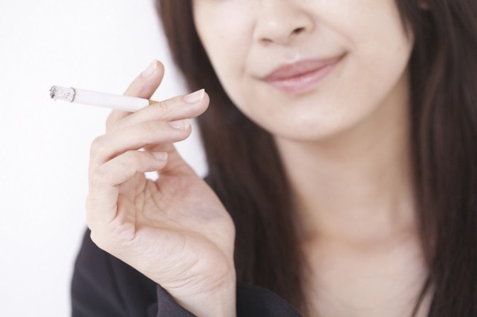「たばこ 女子」の画像検索結果