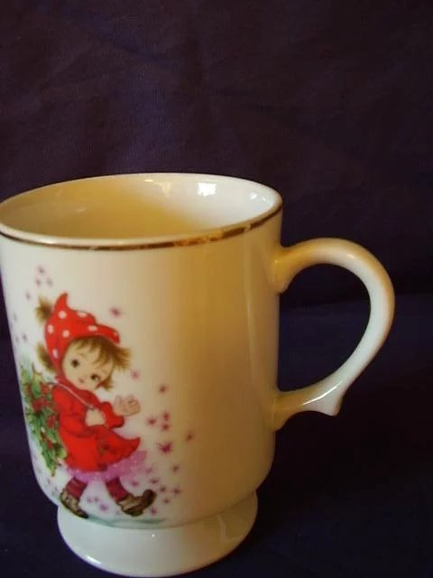 Lefton Exclusives Footed Cup Christmas Girl In Red With
