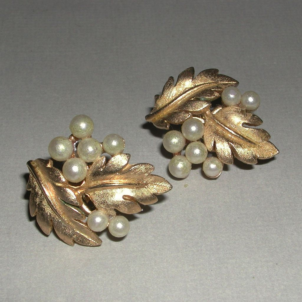 Vintage Trifari Gold Tone Leaves Faux Pearl Clip On Earrings Marked From Lllemon On Ruby Lane