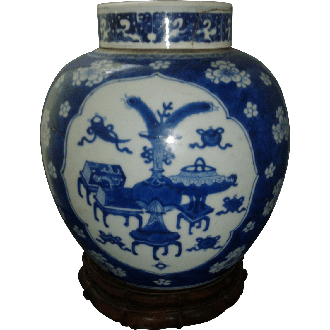 Antique 18th Century Kangxi Chinese Blue And White