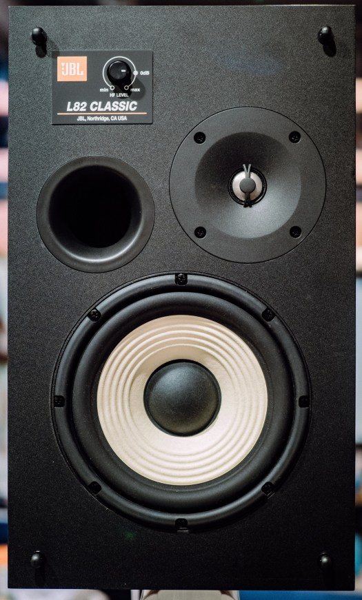 These retro speakers offer modern acoustics 2