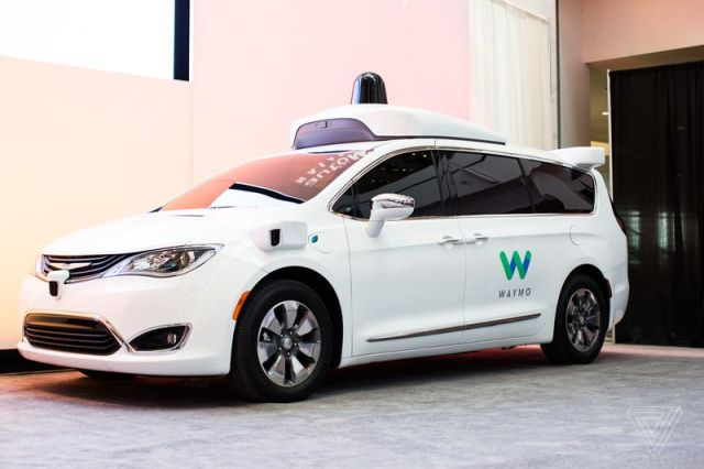 waymo chrysler pacifica detroit auto show 2017 0176 Uber should be stopped from using self driving technology, Alphabet asks the federal court   strong evidences appeared against Uber