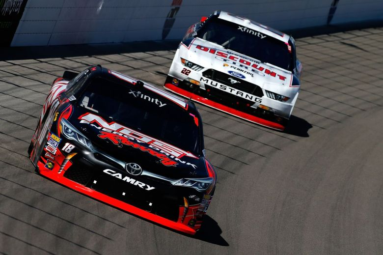 NASCAR Las Vegas 2017 live stream: Start time, TV channel, and how to watch Kobalt 400 online ...